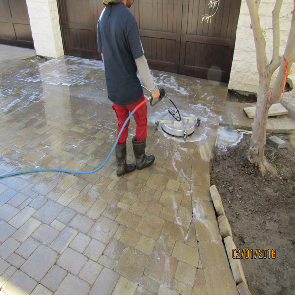 Driveway Cleaning/ Paver Cleaning Pressrue Washing