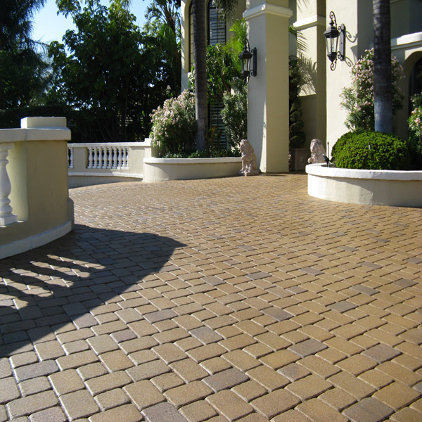 Driveway Cleaning/ Paver Cleaning & Resealing